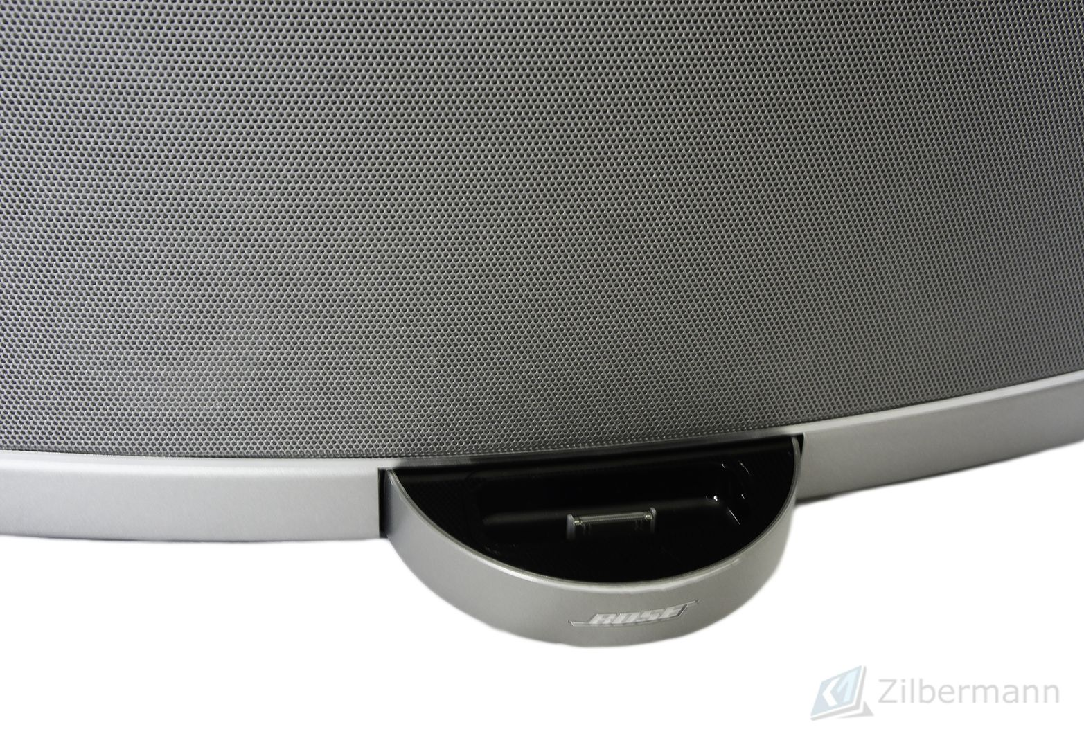 Bose_SoundDock_Portable_Digital_Music_System_09