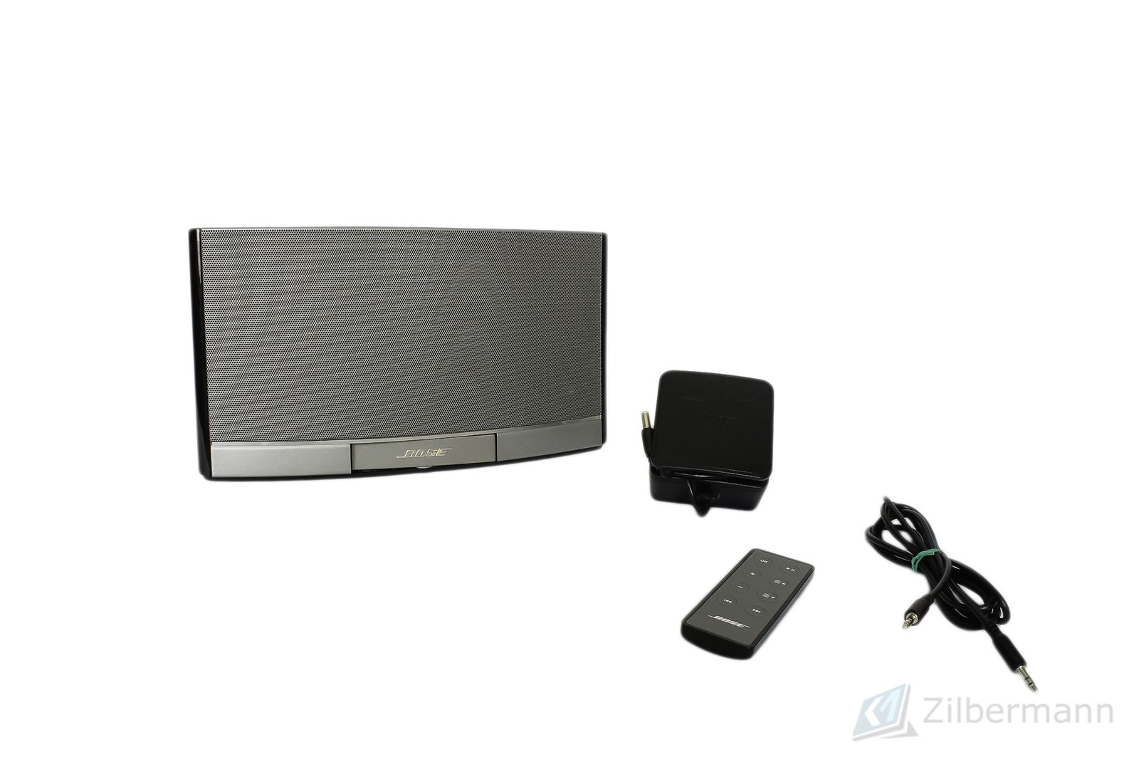 Bose_SoundDock_Portable_Digital_Music_System_02