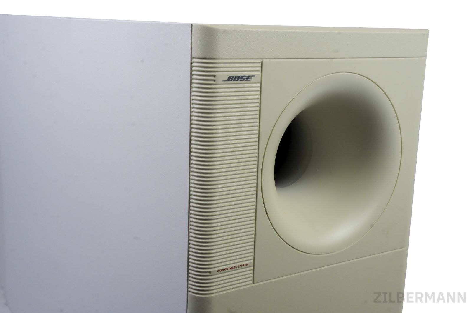Bose_Acoustimass_30_Series_II_Powered_Subwoofer_Weiss_02