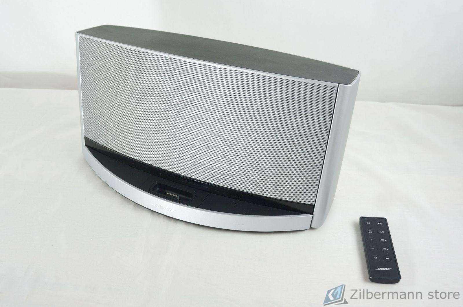 Bose_SoundDock_10_Digital_Music_System