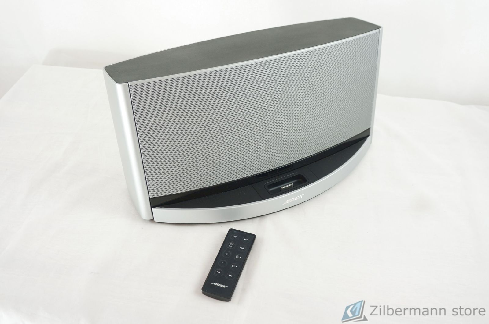 Bose_SoundDock_10_Digital_Music_System_12