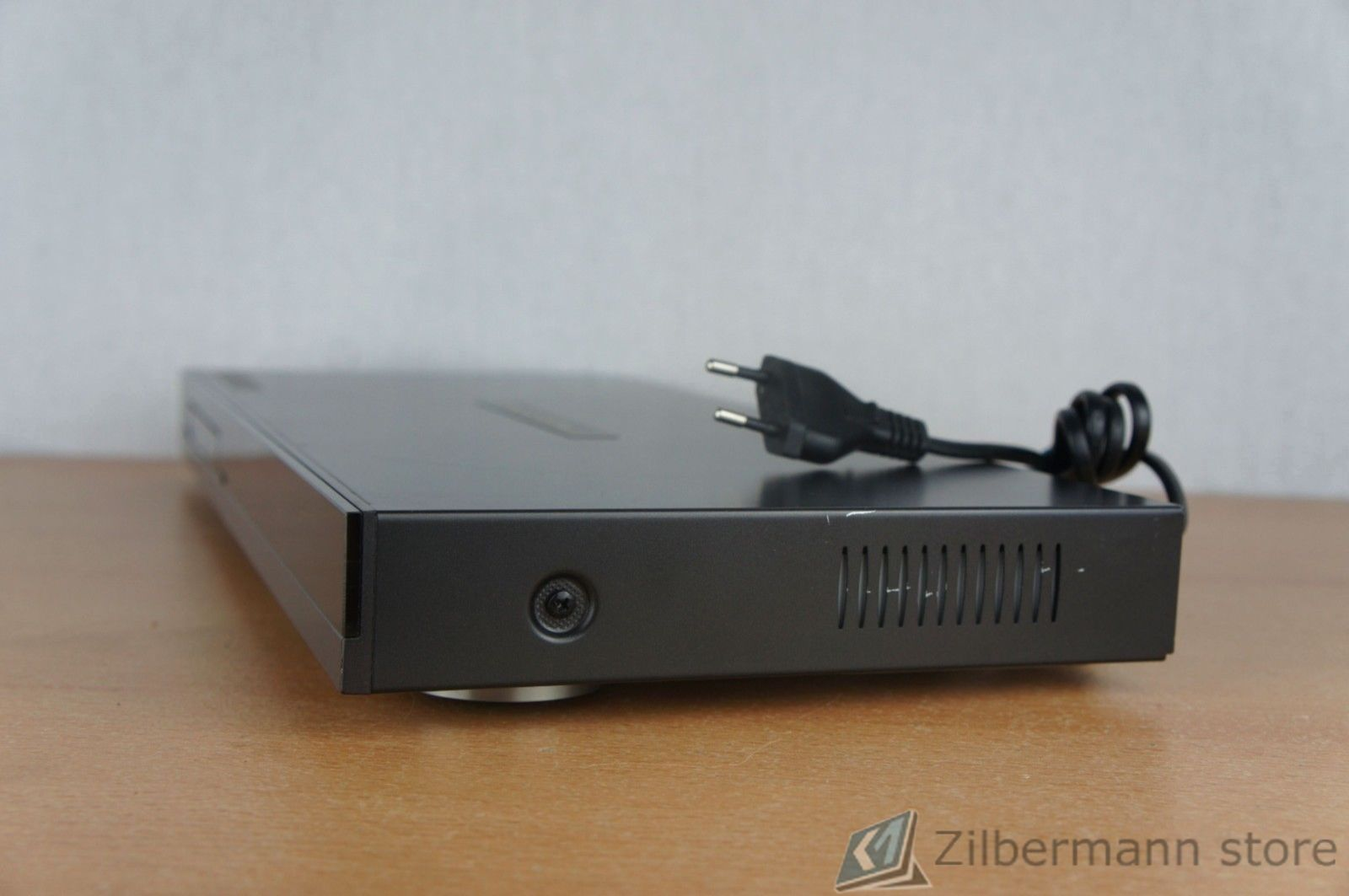 Harman_Kardon_DVD_16_DVD-Player_07_result