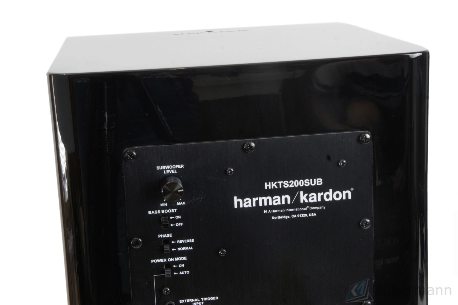 Harman_Kardon_HKTS_200SUB_Schwarz_Top_03