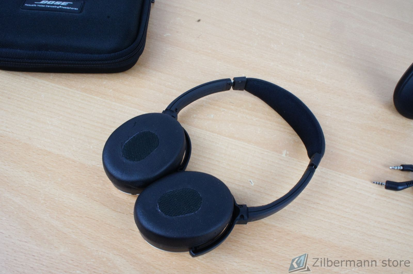 Bose_Quiet_Comfort_QC_3_03