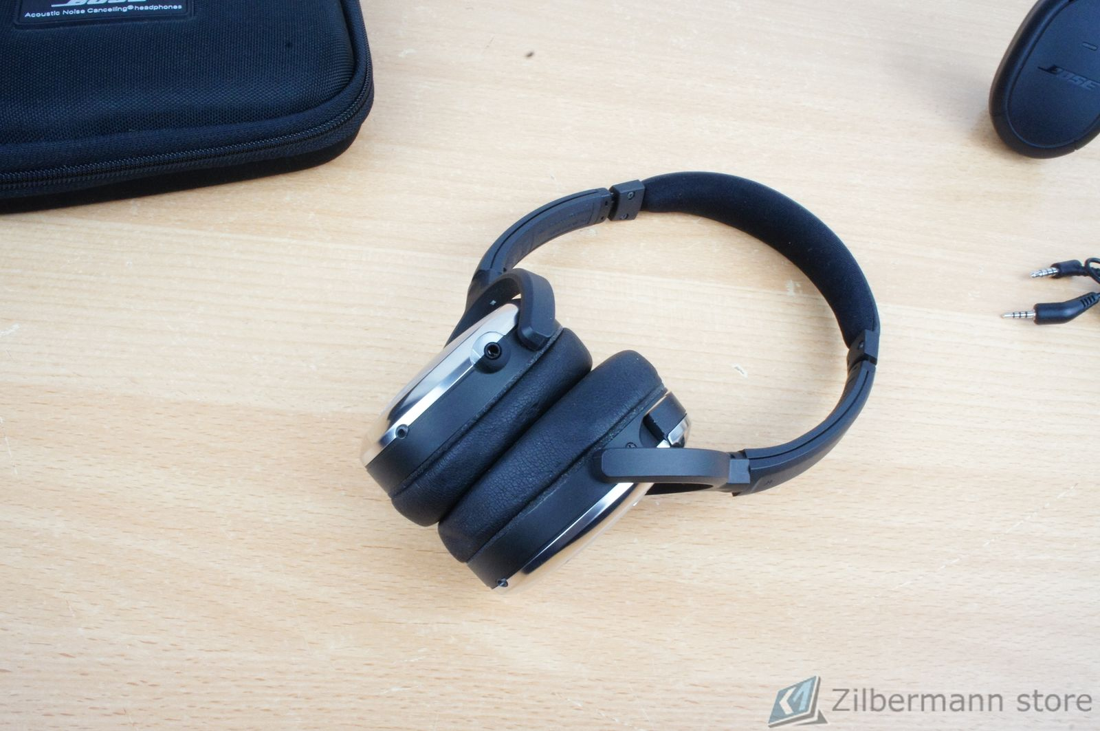 Bose_Quiet_Comfort_QC_3_04